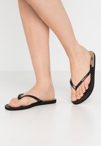 Roxy - VIVA STAMP  - Chanclas de dedo - black - 0
