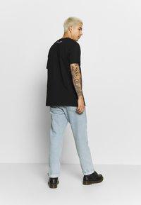 Night Addict - MECH - T-shirts print - black - 2