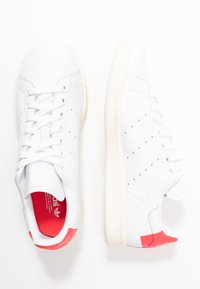 adidas Originals - STAN SMITH HEEL PATCH SHOES - Sneakers basse - footwear white/shock red - 3