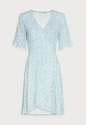 DRESS SHORT RUFFLE - Jersey dress - soft green