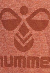 Hummel - HMLSTEFF  - Hoodie - koi - 3