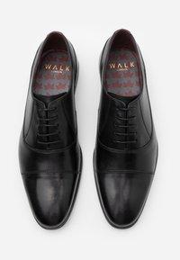 Walk London - ALFIE OXFORD TOE-CAP - Stringate eleganti - black - 3