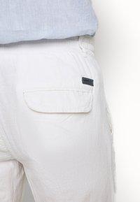 Lindbergh - PANTS - Trousers - white - 5
