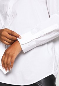 Weekday - EDYN - Button-down blouse - white - 5