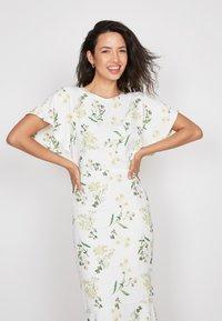 True Violet - Shift dress - white - 3