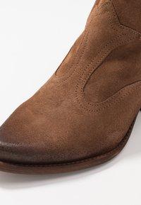 Felmini Wide Fit - LAREDO - Cowboy/biker ankle boot - tan - 2