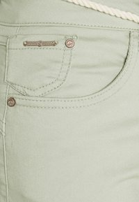 Cream - CRVAVA PANT COCO FIT - Trousers - desert sage - 2