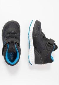 Viking - SPECTRUM MID GTX - Zapatillas de senderismo - black/blue - 0