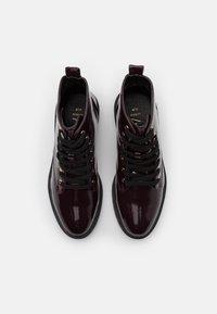 New Look Wide Fit - WIDE FIT DIGGER LACE UP - Šněrovací kotníkové boty - dark red - 5