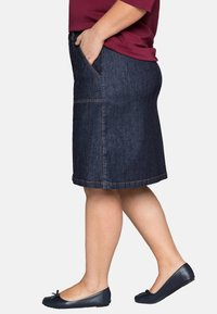 Sheego - Denim skirt - dark blue denim - 3