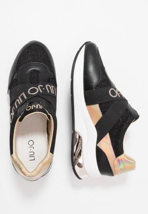 KARLIE - Nazouvací boty - black
