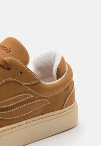 Genesis - G-SOLEY CORNWAIST - Sneakers basse - dark wheat - 5