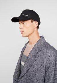Calvin Klein - SIDE LOGO - Cappellino - black - 1