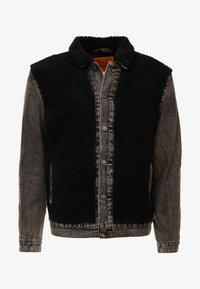 Levi's® - SHERPA PANEL TRUCKER - Denim jacket - black sheep - 4