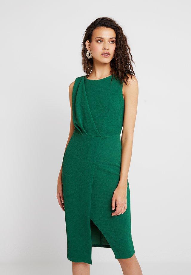 DRAPED SLEEVELESS WRAP DRESS - Etui-jurk - green