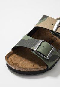 Birkenstock - ARIZONA - Domácí obuv - desert soil green - 2