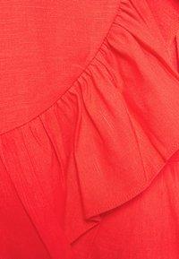Forever New - BOSTON WRAP SKATER DRESS - Robe d'été - red - 6