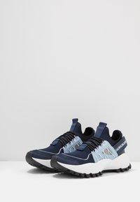 Calvin Klein Jeans - TOLBEK - Trainers - navy/blue - 2