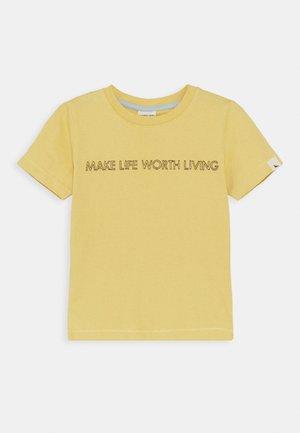 LIVING LIFE EMBROIDERED UNISEX - T-shirt imprimé - sunshine