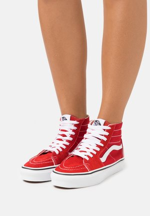 SK8 TAPERED - Höga sneakers - racing red/true white