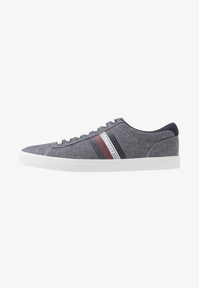 ESSENTIAL SEASONAL - Sneakers laag - blue