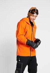 The North Face - M FREETHINKER FutureLight™ JACKET - Kurtka narciarska - papaya orange/black - 0