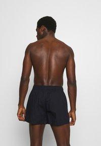 Tommy Hilfiger - 2 PACK - Boxer shorts - red/dark blue - 2