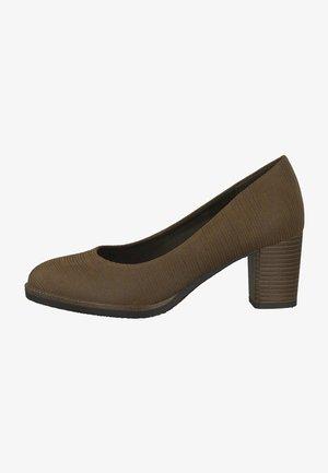 Classic heels - cognac comb
