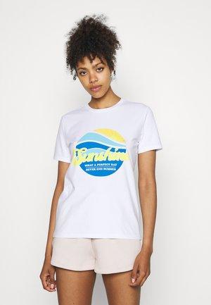 PCSUNSHINE TEE - T-shirt z nadrukiem - bright white