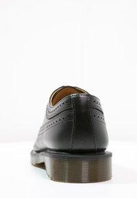 Dr. Martens - 3989 - Zapatos con cordones - schwarz - 3