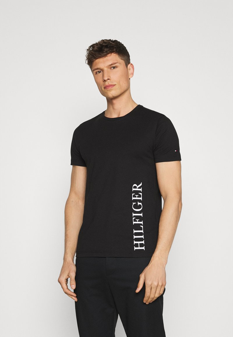 Tommy Hilfiger - SMALL LOGO TEE - T-shirt con stampa - black