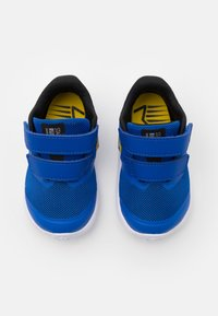 Nike Performance - STAR RUNNER 2 UNISEX - Neutrální běžecké boty - game royal/metallic silver/black/speed yellow - 3