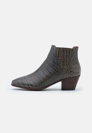 SARA - Boots à talons - baby kakadu/taupe