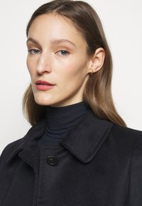 WEEKEND MaxMara - FAVILLA - Manteau classique - blue - 4
