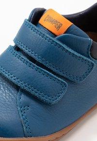 Camper - PEU CAMI  - Baby shoes - blue - 5