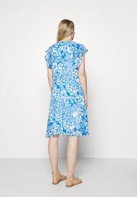 InWear - FLORIZZAI SHORT DRESS - Denní šaty - light blue - 2