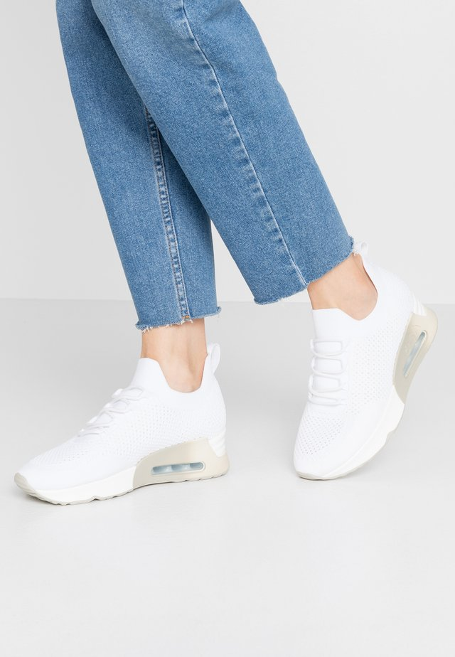 LUNATIC - Trainers - white/offwhite