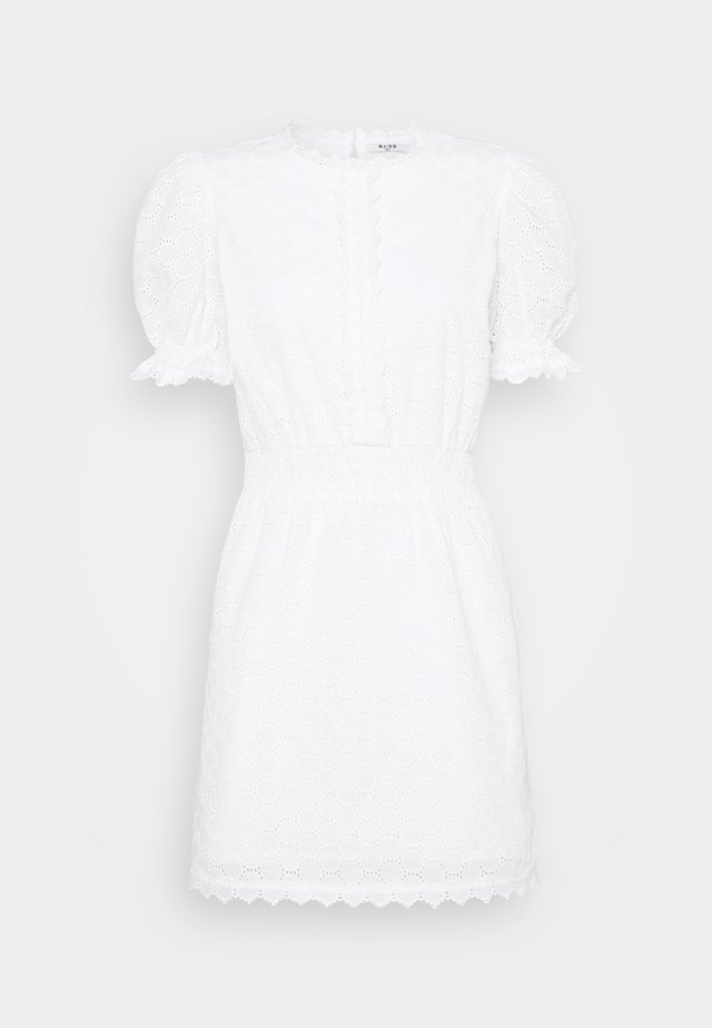 SMOCK DETAIL MINI DRESS - Cocktailkjoler / festkjoler - white