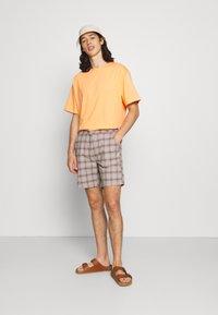 Brixton - CHOICE E WAIST - Shorts - grey - 1