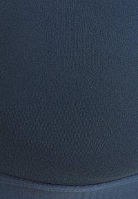 adidas Performance - BRA - Sport-BH med lätt stöd - crew navy/white - 6