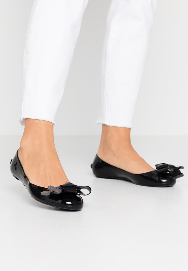 MAHLIN - Ballerinasko - black