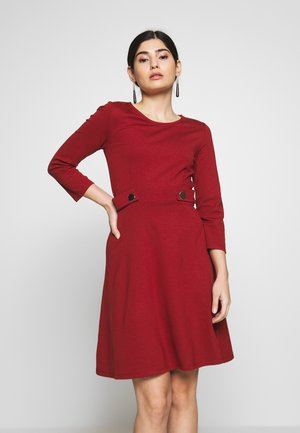 DRESS FIT&FLARE - Vestito di maglina - biking red