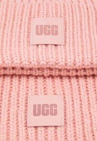 UGG - CHUNKY SET - Scarf - light pink - 4