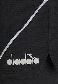 Diadora - DOUBLE LAYER BERMUDA - Pantalón corto de deporte - black - 2