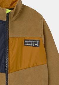 Molo - URBAIN - Fleecová bunda - beige - 3