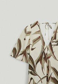 Massimo Dutti - MIT BLÄTTERPRINT  - Day dress - white - 4