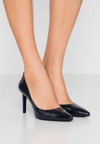 MICHAEL Michael Kors - DOROTHY FLEX D ORSAY - High heels - admiral - 0