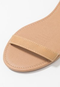 Rubi Shoes by Cotton On - EVERYDAY BELLA WRAP  - Sandaalit nilkkaremmillä - tan - 2