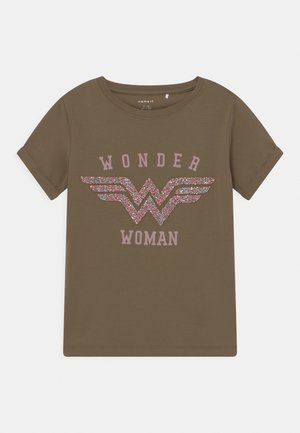 NKFWONDERWOMAN  - T-shirt con stampa - stone gray