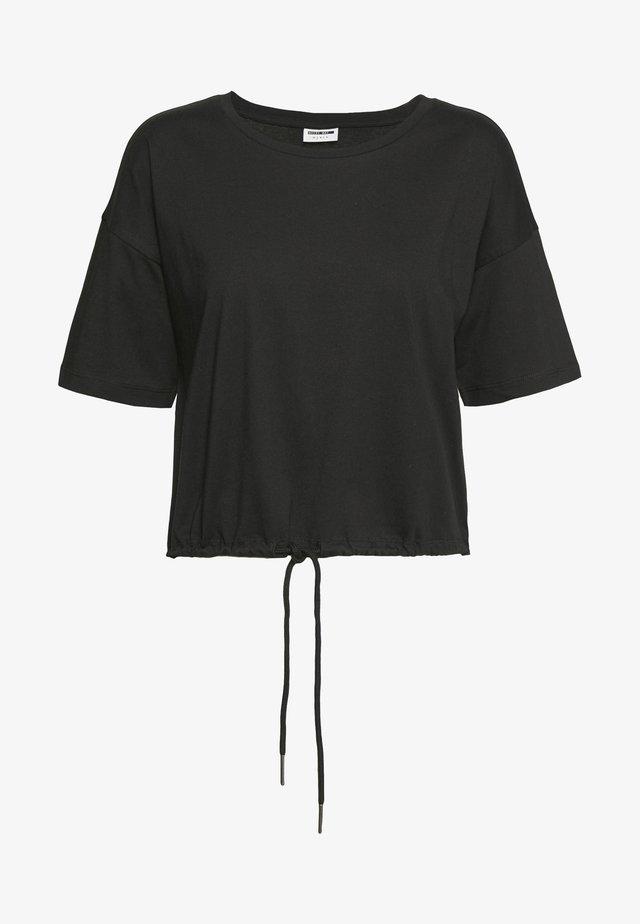NMDURU LOOSE STRING - T-shirt con stampa - black